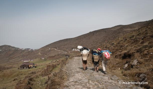 20090409 5977 610x356 - Trekking in Nepal