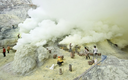 20100316 4658 540x337 - The breathtaking Ijen crater
