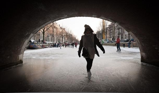 20120206 9590 610x356 - The frozen city