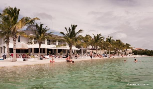 20120321 3453 610x355 - Papagayo Beach