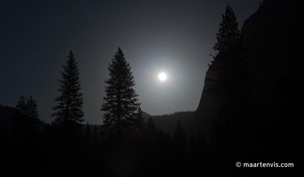 20120505 7245 610x356 - Yosemite At Night