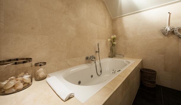 20120910 9502 610x356 - Bridal Bliss in Badhotel Bruin