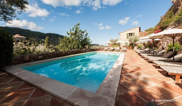 20121028 1629 610x355 - La Residencia, Deia