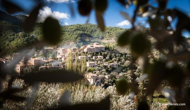 20121028 1661 610x355 - La Residencia, Deia