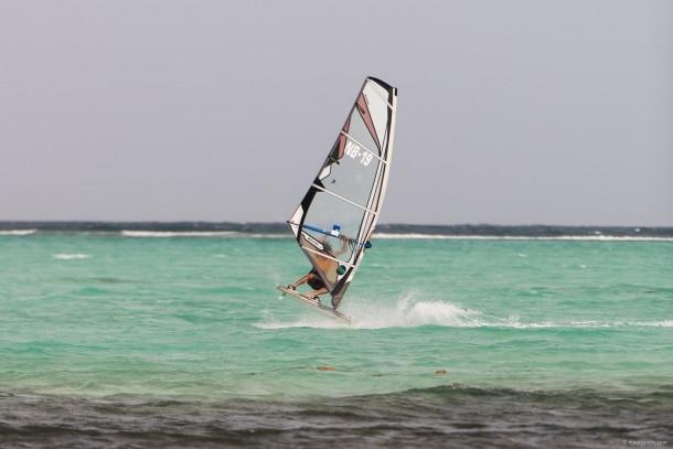 20130907 2518 610x407 - Surf's Up at Lac Bay