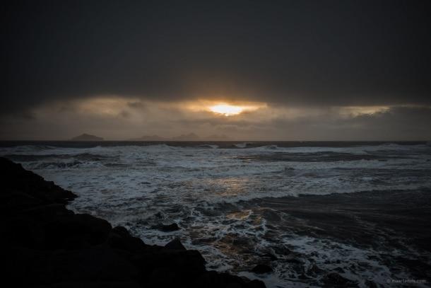 20131104 5884 610x407 - On A Black Beach