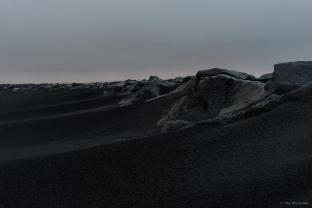 20131104 5918 610x407 - On A Black Beach
