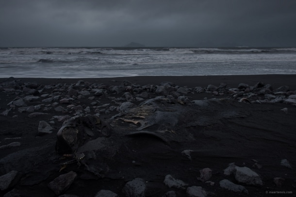 20131104 5943 610x407 - On A Black Beach