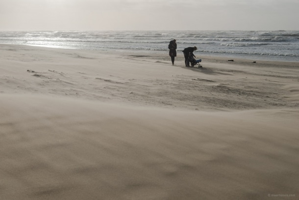 20140214 7611 610x407 - A Stormy Day on the Beach