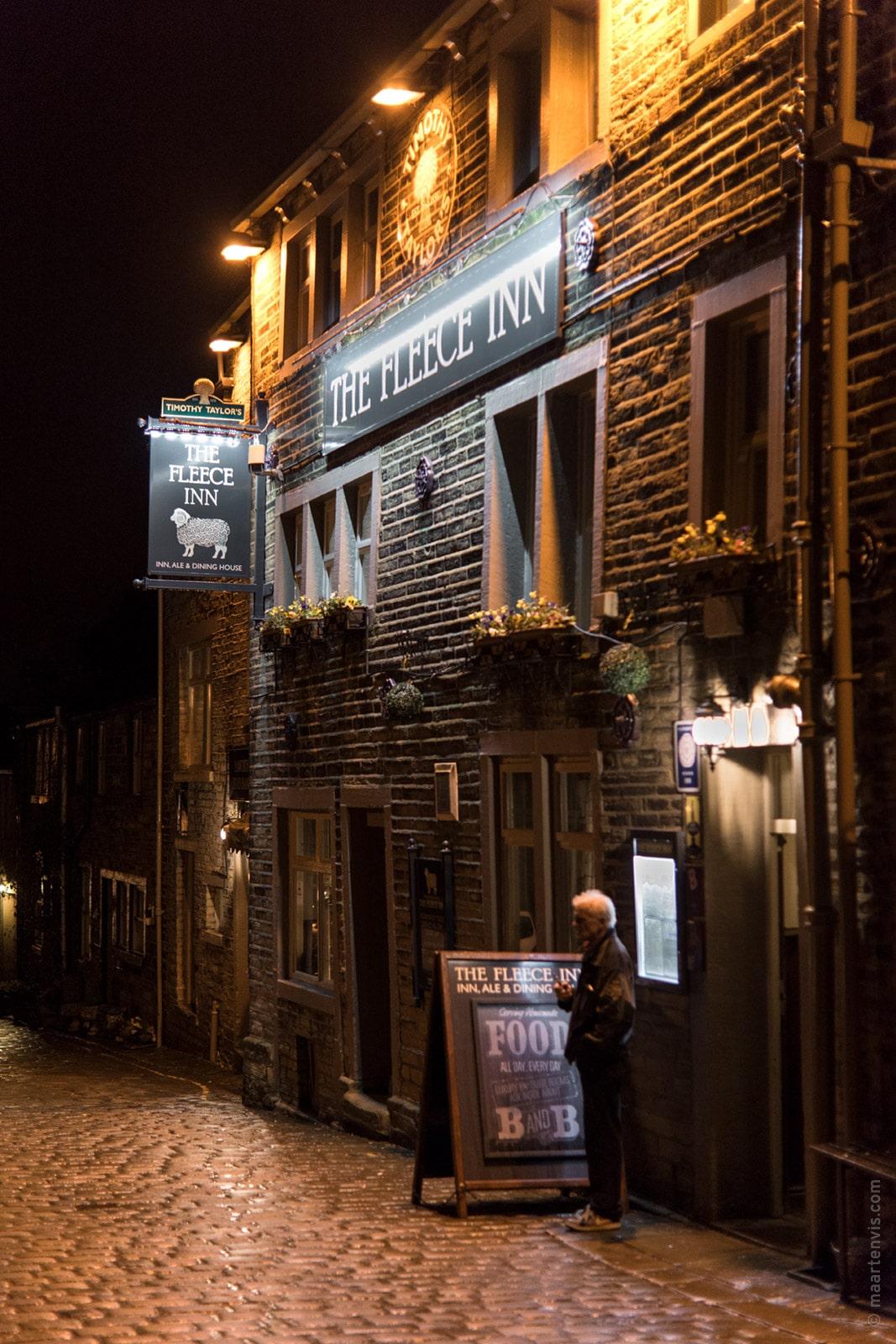 20160324 8203 - Sleeping above the Fleece Inn