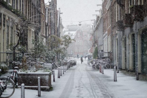 20171210 8792 620x414 - Snow in Amsterdam
