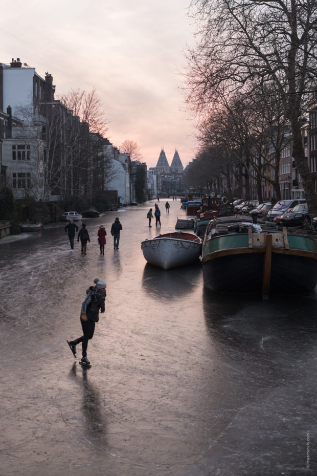 20180302 3484 620x930 - Ice Skating on the Amsterdam Canals