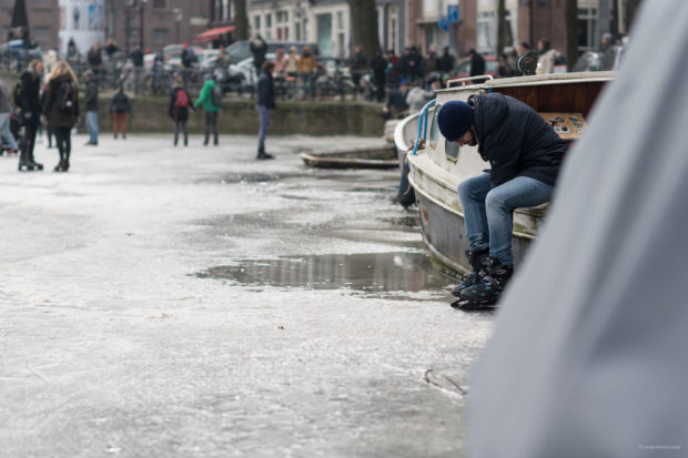 20180303 3585 620x413 - Ice Skating on the Amsterdam Canals