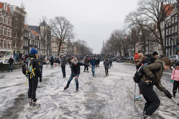 20180303 3600 620x413 - Ice Skating on the Amsterdam Canals