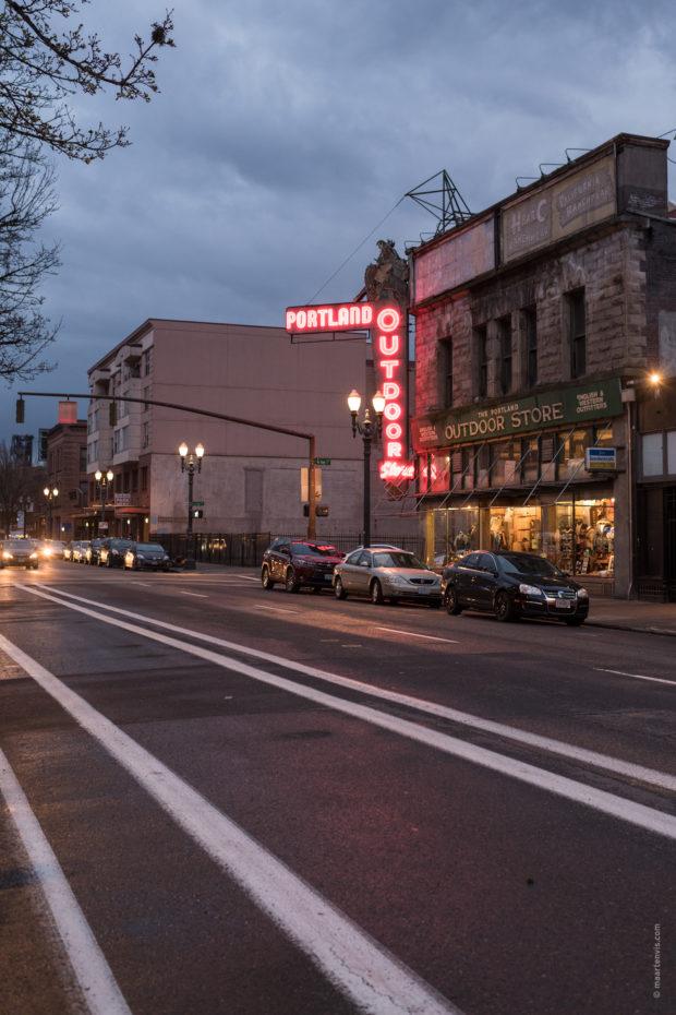 20180317 3983 620x930 - Downtown Portland
